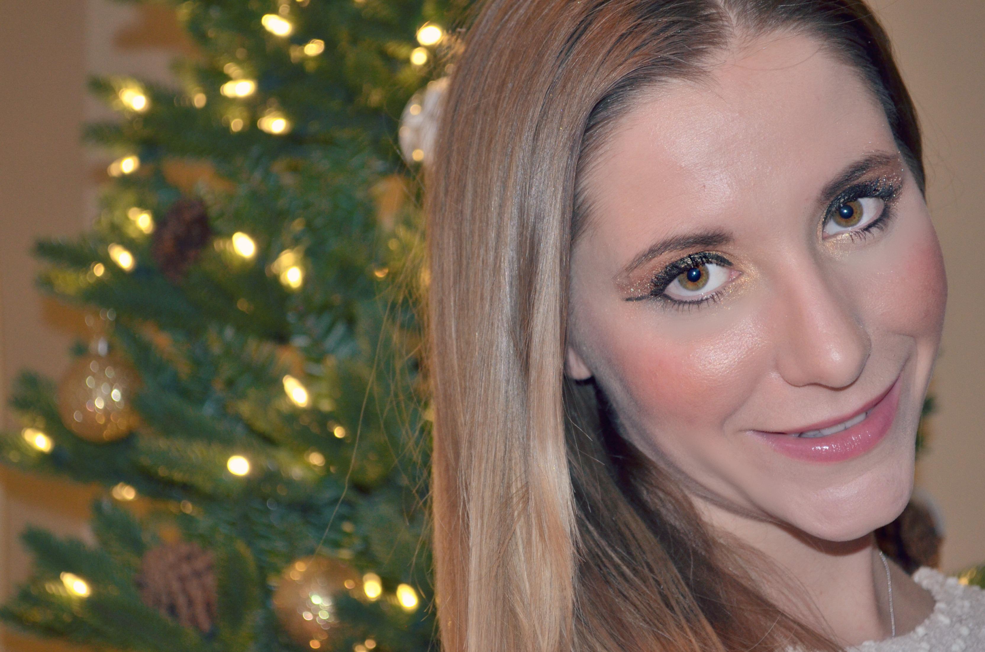 Holiday shimmer makeup tutorial candy stilettos holidaymakeup baditri Images