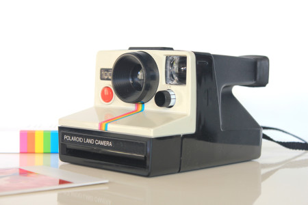 retro-gift-guide-for-children-polaroid-camera