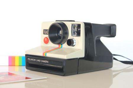 retro-gift-guide-for-children-polaroid-camera